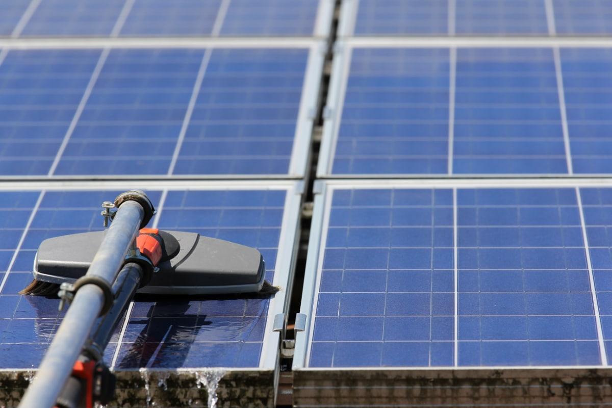 zonnepanelen-reiniging